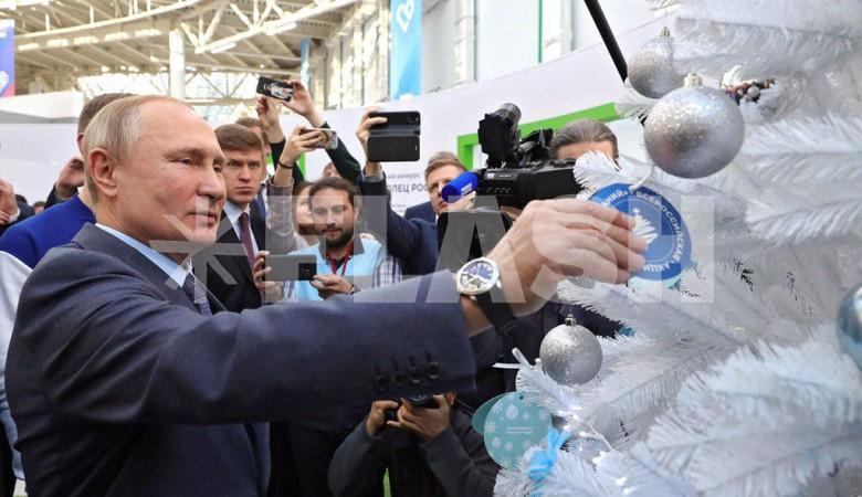 Владимир Путин выбрал мечту ребенка на «Елке желаний»