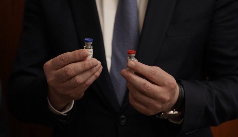 Первые партии вакцина от коронавируса в России выпустят в течение двух недель