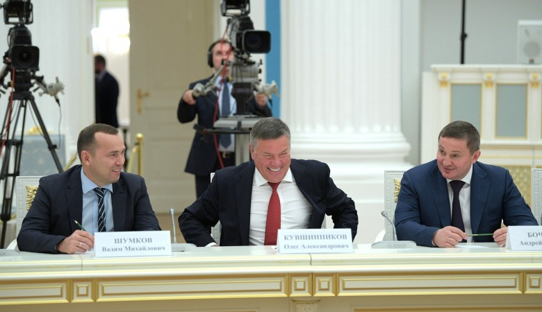 Путин посоветовал победившим на выборах главам регионов чувствовать ожидания людей