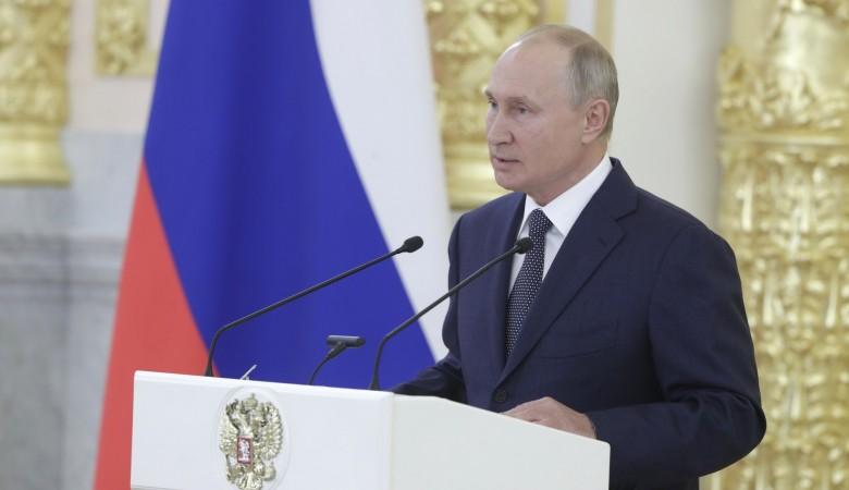Путин поручил проработать четкие критерии поддержки нуждающихся семей