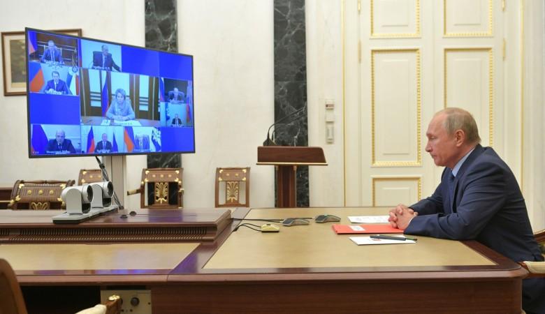 Путин заявил о рисках для мира остаться без договора об СНВ-3