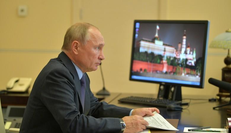Путин назвал коронавирус очень опасным противником