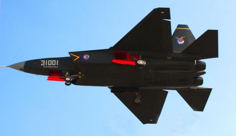 В КНР впервый раз поднялся ввоздух 2-ой прототип истребителя FC-31
