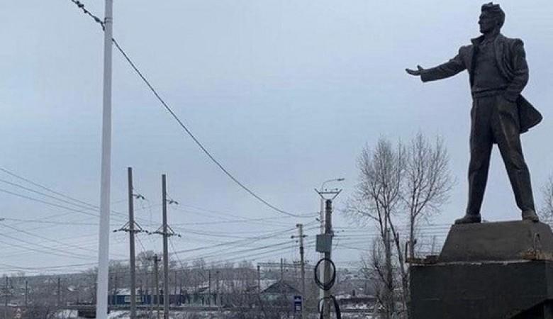 Единственный в Иркутской области памятник Маяковскому установили в Черемхово