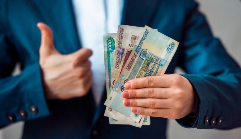 В Тайшетском районе хитрый чиновник самолично повысил себе зарплату