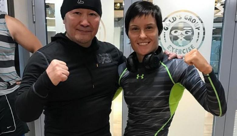 Российская дзюдоистка провела тренировку с президентом Монголии