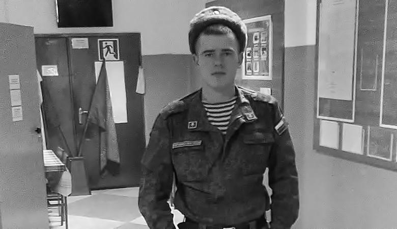 Алтайский контрактник повесился под Костромой