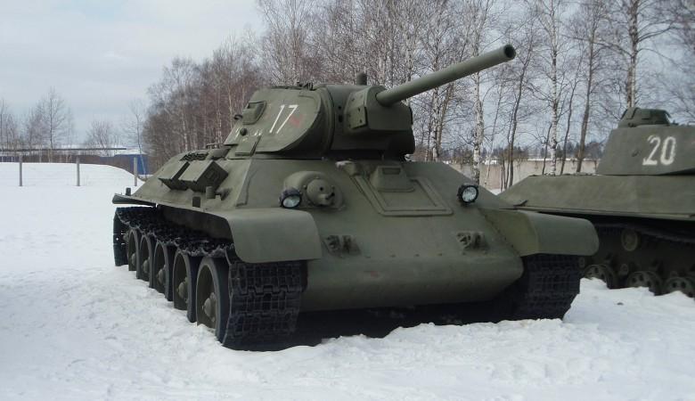 Военные из Новосибирска восстановили танк Т-34 для участия в параде Победы