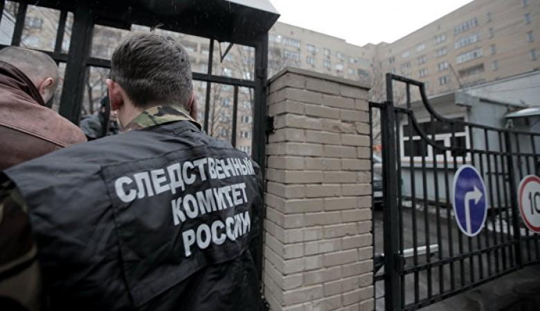 Женщина в Омской области привязала прогулявшего школу сына на ночь к столбу