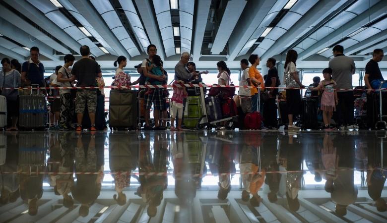 Вкитайском аэропорту Чэнду из-за смога задерживаются неменее 80 рейсов