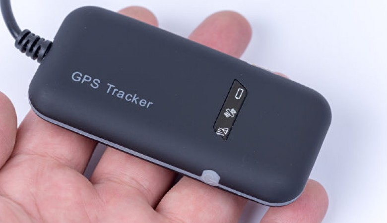 Мужчину в Омске оштрафовали за куплю-продажу GPS-трекера для слежки