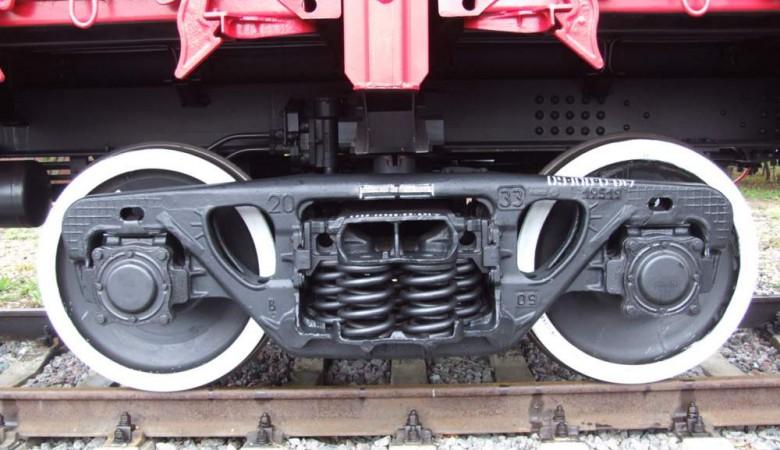 Вагон грузового поезда сошел с рельсов в Иркутской области