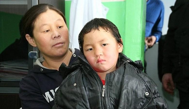 Четырехлетняя девочка прошла 8 км по тайге, чтобы позвать помощь умирающей бабушке