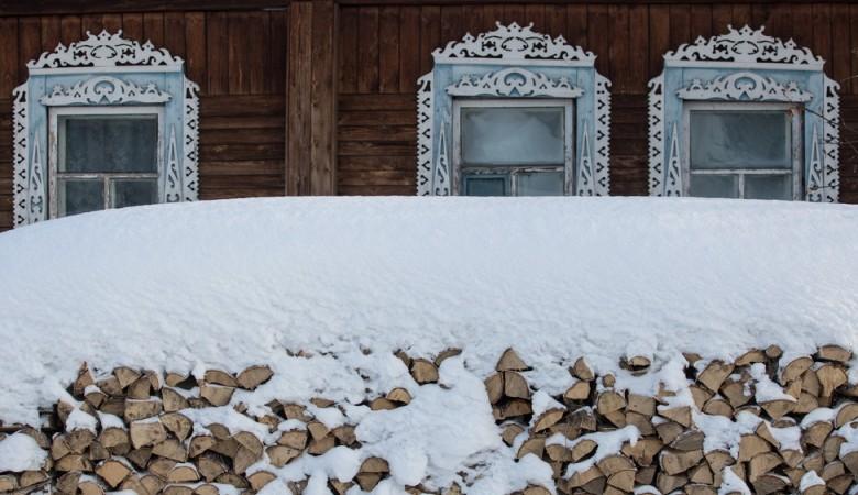 ВОмской области сельчанин вынес изгорящего дома детей, асам умер