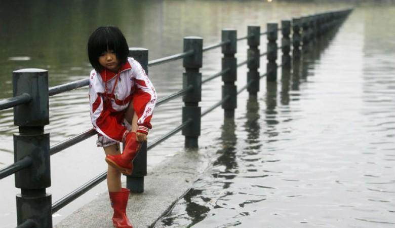 Проливные дожди обрушились на юг КНР, ущерб превысил $13 млн