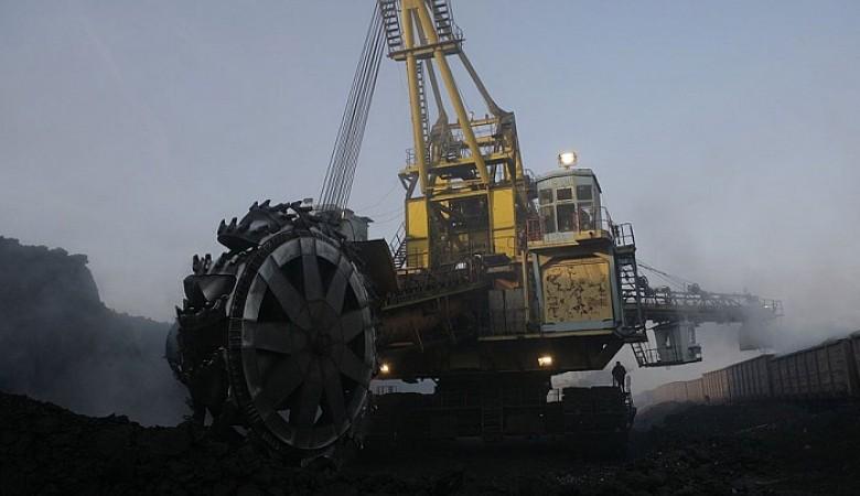 «СУЭК-Кузбасс» в2017г сохранит добычу угля науровне