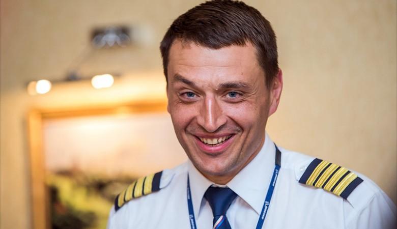 Летчик, посадивший в Доминикане самолет с горящим двигателем, стал человеком года в Томске