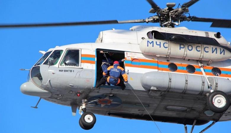 Ми-8 с поисковыми собаками вылетел из Красноярска в Туву на поиски детей