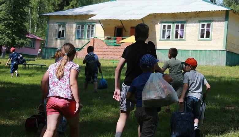 Двум учителям в Омске вынесли приговор за гибель школьника в летнем лагере