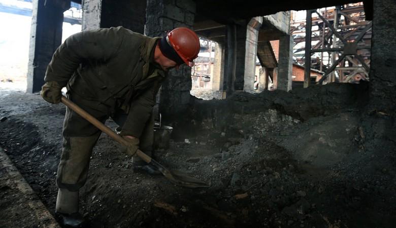 Начальник ЖКХ в Якутии расплатился за новогодний корпоратив 8 тоннами угля