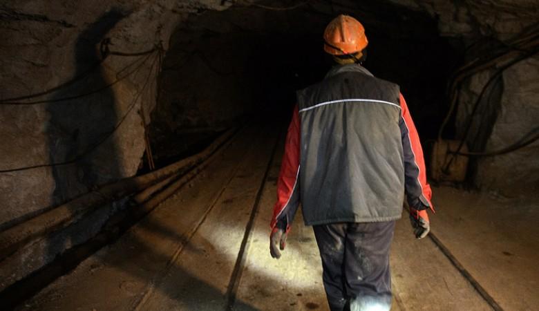 Разбор завалов втувинской шахте, где после обвала ищут шахтера, займет 2-3 дня