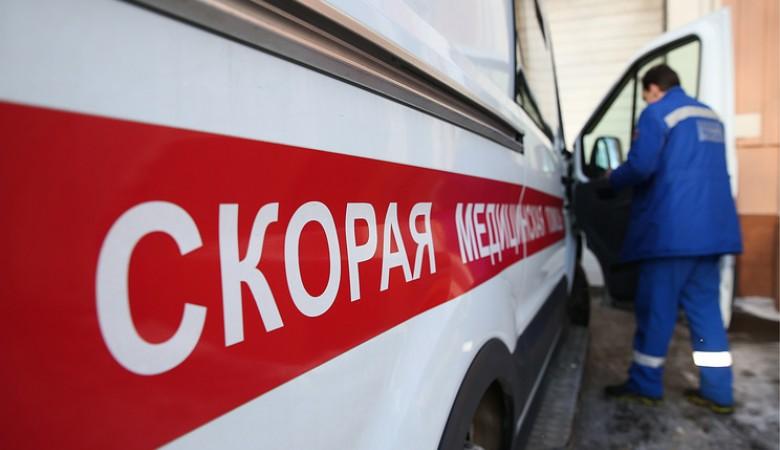 В Омске автомобиль «Скорой помощи» ехал на вызов, но застрял в грязи