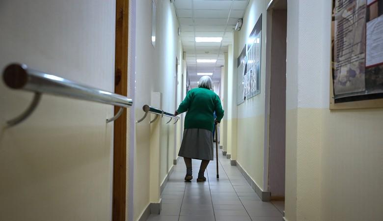Тринадцать человек госпитализированы после пожара в иркутском доме престарелых