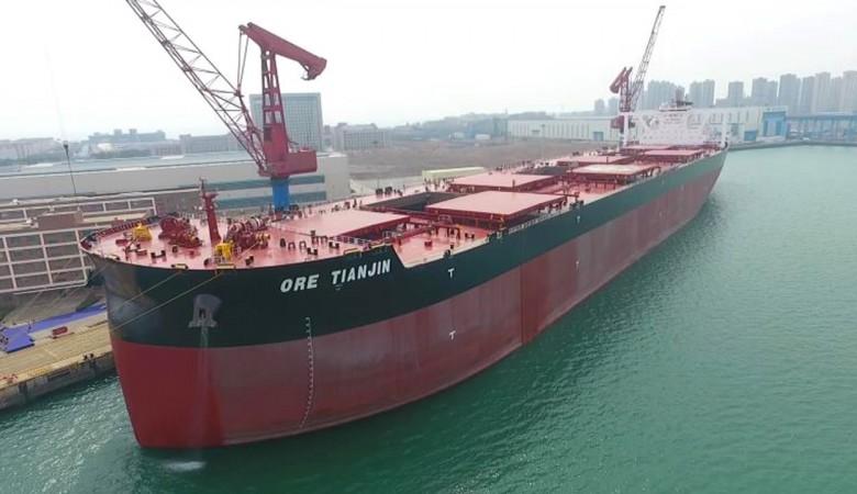 Китай ввел в эксплуатацию самый большой в мире танкер-рудовоз