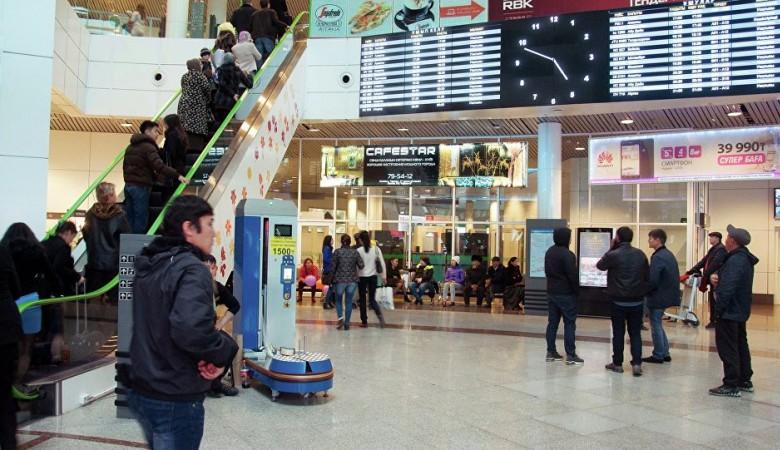 Снегопад парализовал работу аэропорта Астаны