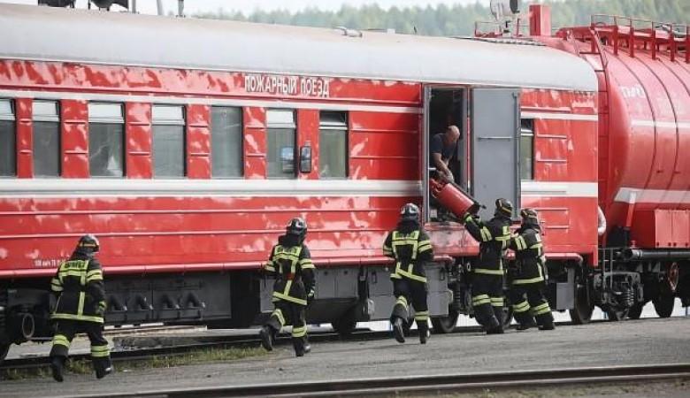 В Забайкалье, где начали гореть леса, железнодорожники подготовили 16 пожарных поездов