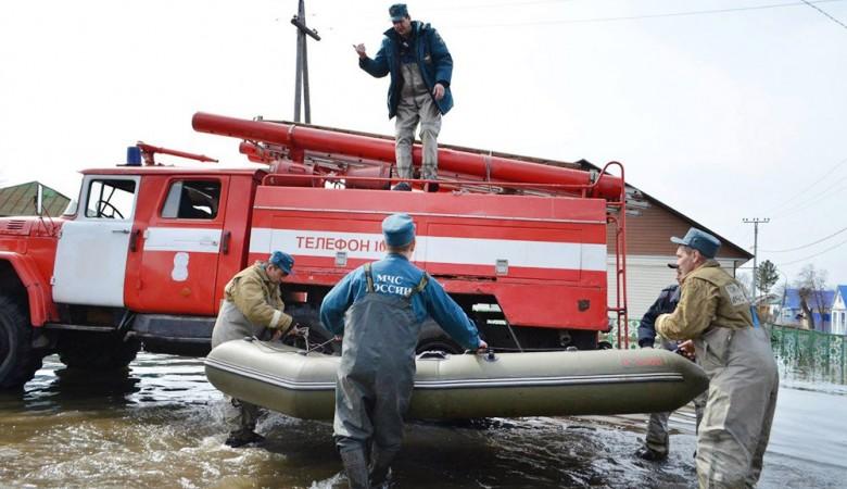 Глава Хакасии заявил о необходимости обновления тяжелой техники для борьбы с паводком