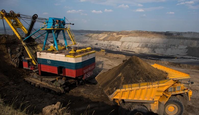 Разрез СУЭКа в Забайкалье частично возобновил отгрузку угля, приостановленную из-за пожара