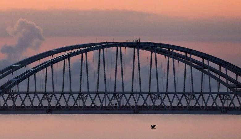Число автомобилей, воспользовавшихся Крымским мостом, приблизилось к 100 тысячам