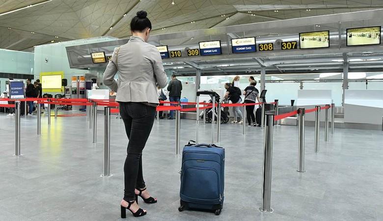 Вылет рейса из Красноярска в Новосибирск задержан из-за неисправности самолета