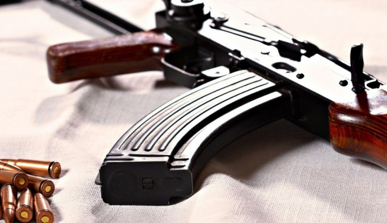 В Китае умер легендарный гангстер, грабивший с АК-47 ювелирные магазины в Гонконге