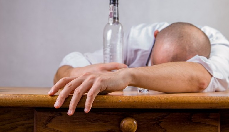 Производителей поддельного алкоголя назвали в Новосибирской области