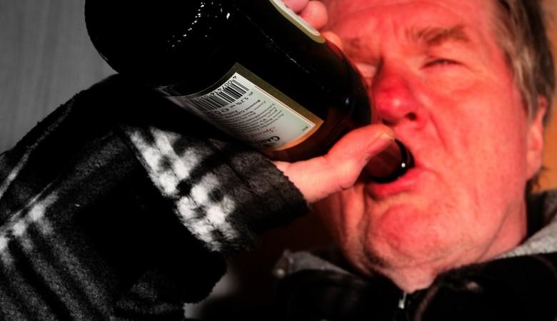 Число погибших от отравления спиртом в Омской области выросло до 6 человек