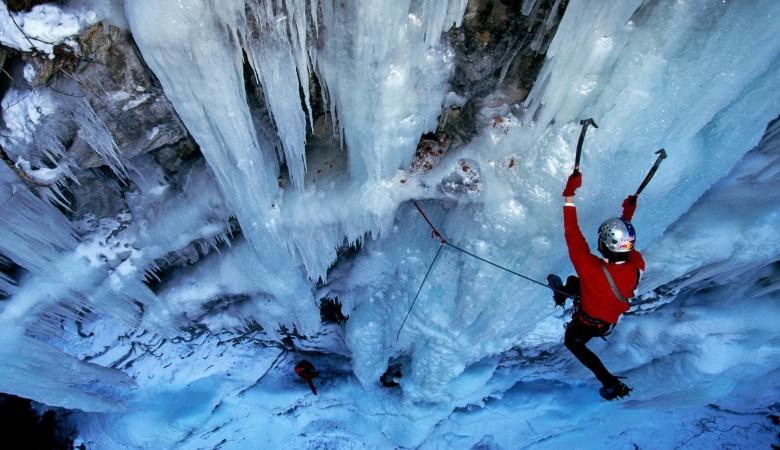 Четыре альпиниста потерялись в горах Красноярского края