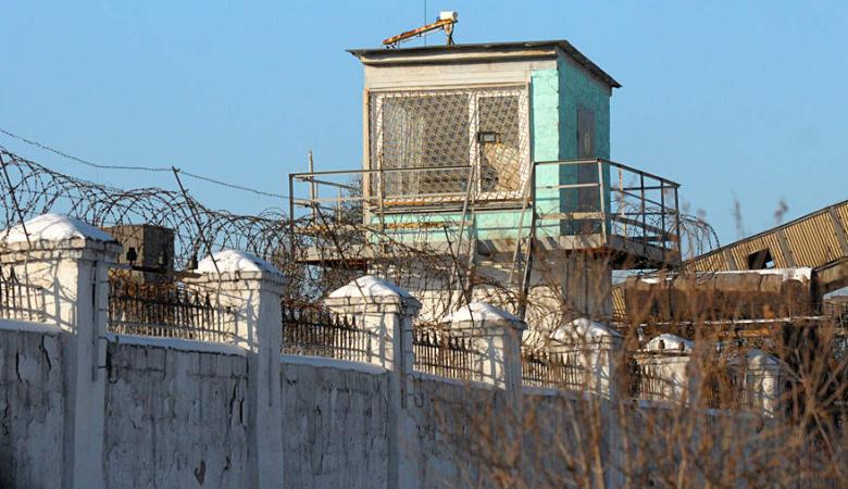 Двух заключенных забили до смерти в иркутской колонии