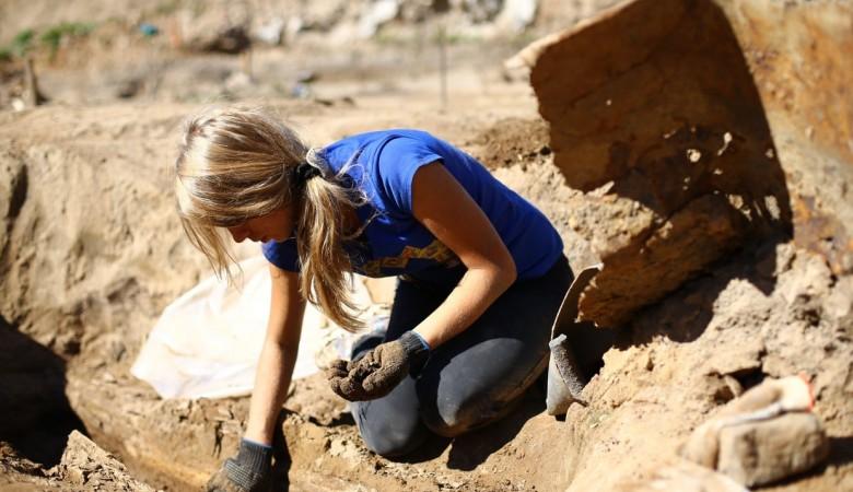 Китайские археологи обнаружили 136 гробниц III-VIII века до н.э