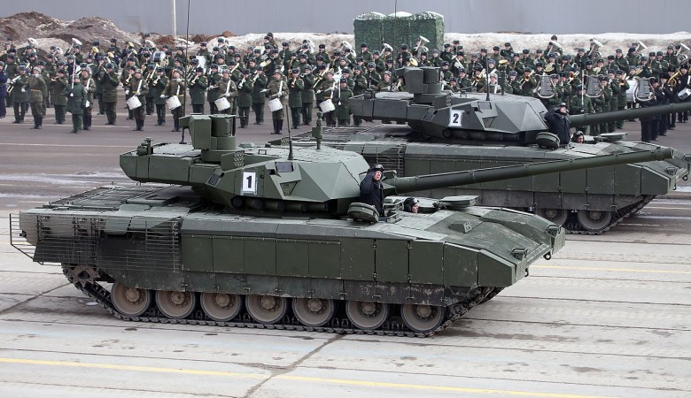 В Новосибирске и Омске начали готовить экипажи для танков