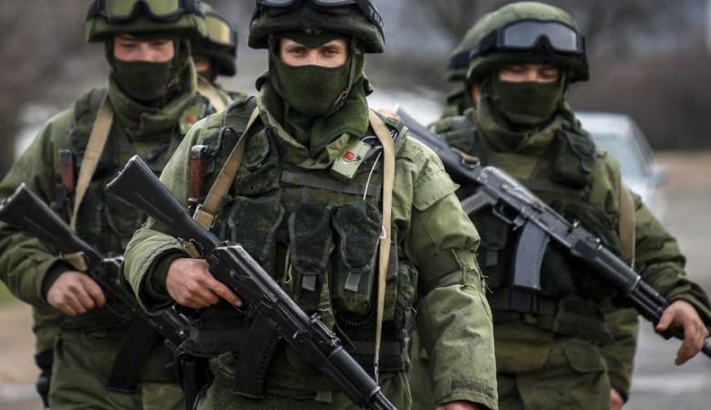 Житель Забайкалья за взятки устраивал желающих на службу в армию