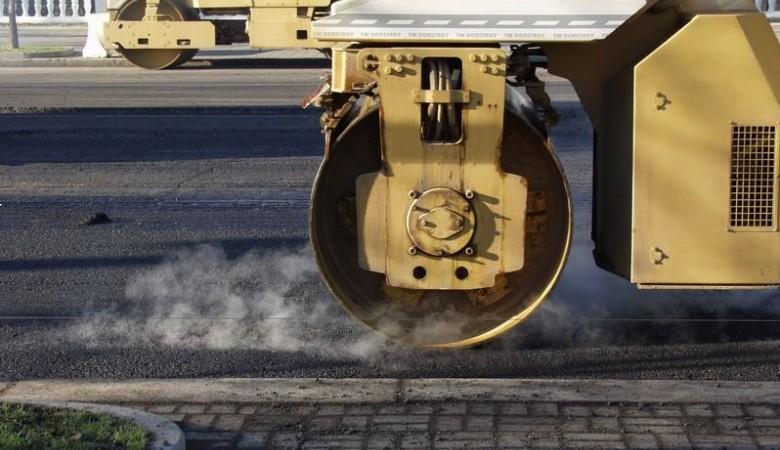 В Томске разработан робот, самостоятельно засыпающий ямы на дорогах