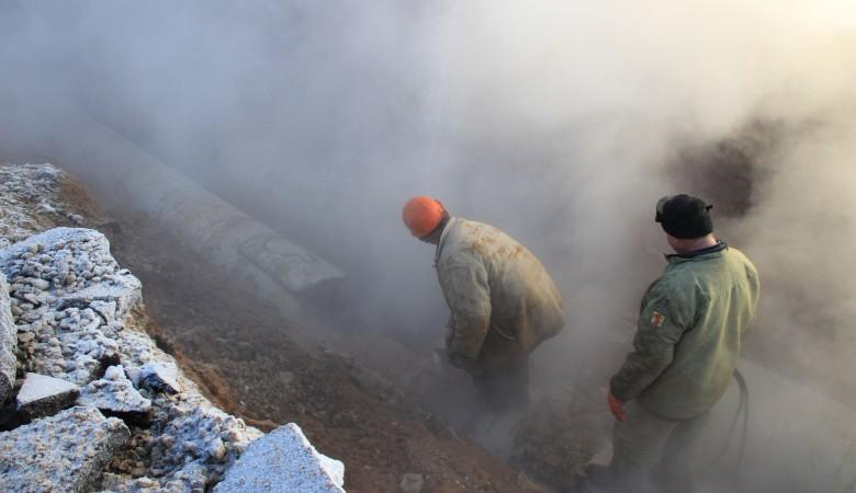 Аварии на теплосетях Новосибирска привели к ограничению теплоснабжения на 70 объектах