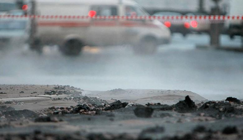 В Барнауле при температуре минус 35 градусов вода вновь залила улицы после коммунальной аварии