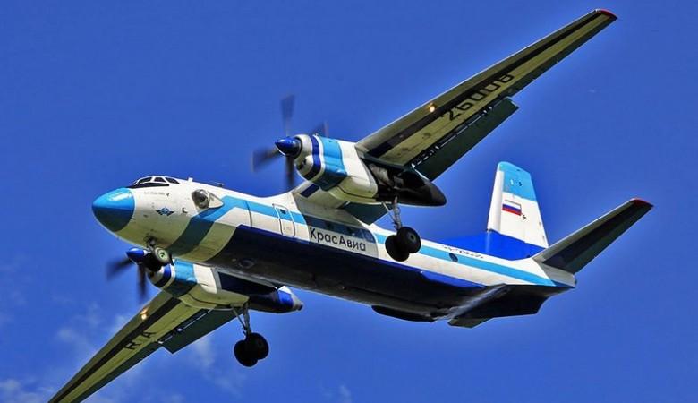 Молния и град повредили пассажирский самолет на подлете к Барнаулу