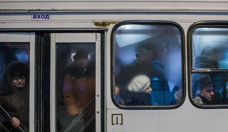 Школьника-зайца два раза выгнали изавтобуса намороз— СКР