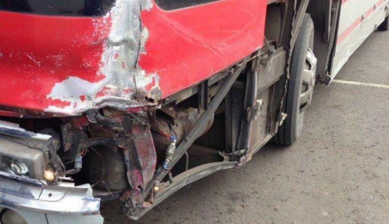 Автобус с футбольной командой барнаульского «Динамо» попал в аварию