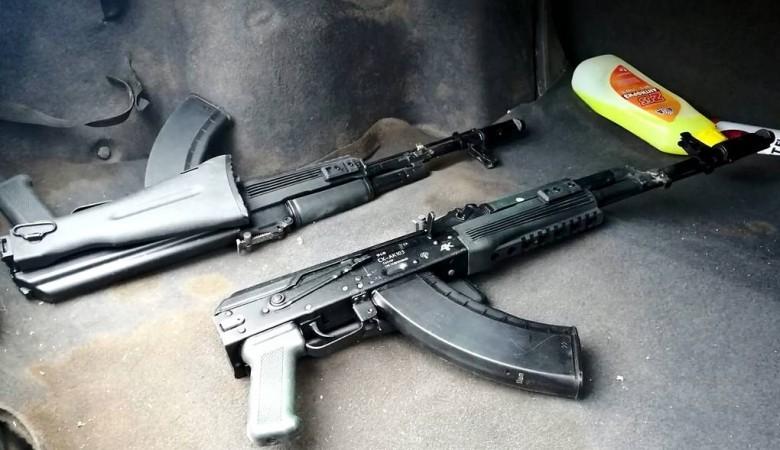 Оперативники ФСБ в Иркутской области вышли на вымогателей с оружием и боеприпасами