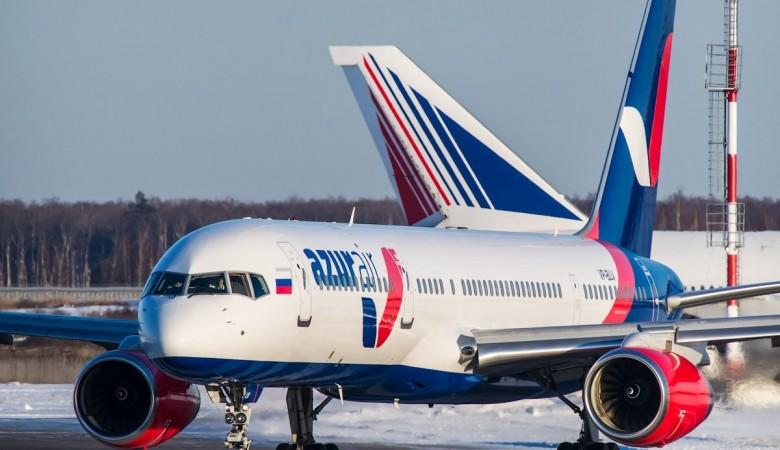 Летевший в Доминикану самолет вернулся в США из-за постороннего запаха